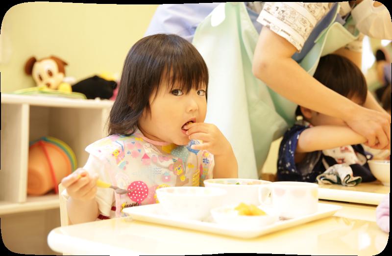 園児食事画像